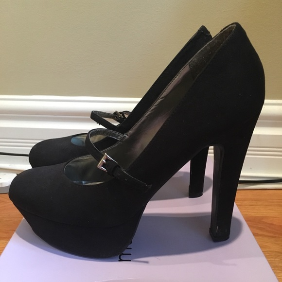 Guess Shoes - Guess pumps size 10 with strap, like new